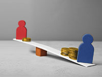 A seesaw tilts to the right. On the left end there is a red man with a small stack of coins, on the lower right end there is a blue man with two larger stacks of coins.